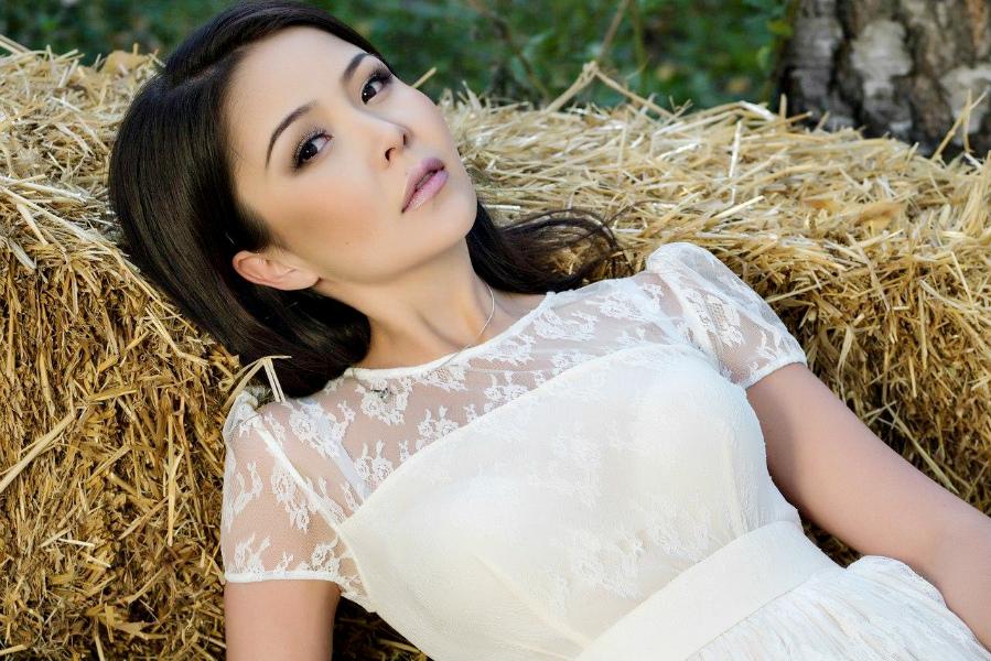 Казахстанские певицы трахается, домашние как сосет жена у мужа