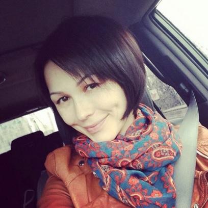 哈萨克斯坦女明星们的素颜照 组图图片