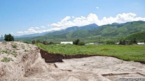 Көне Талхир қаласының орнындағы қазба жұмыстары. Талғар, 20 маусым 2009 жыл. ©Алексей АЗАРОВ фото