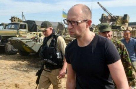 Донбастағы соғыстың бір күні 6,2 миллион доллар – Яценюк