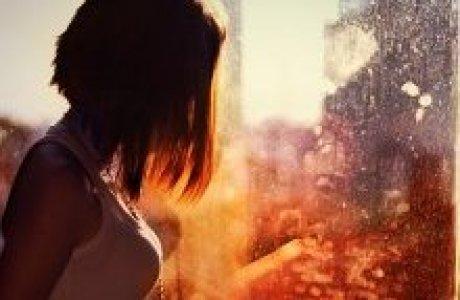 Фото девушки с короткими волосами со спины на аву
